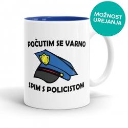 Počutim se varno spim s policistom