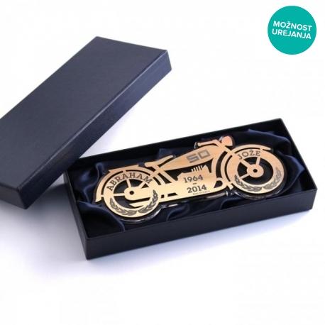 Plaketa motor za abrahama v darilni škatli