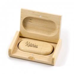 Leseni USB ključek v škatlici