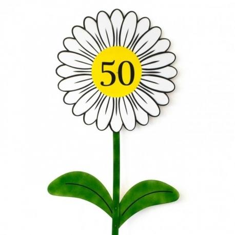 Roža za okroglo obletnico z lastno letnico